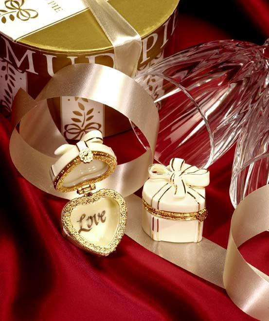 Heart gift treasure box specialty gift basket theme from heart spark heart treasurebox heart gift treasure box negle Gallery